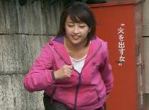テレ東の巨乳・相内優香アナ(27)がスポーツウェアで全力疾走 ムチムチ過ぎ