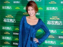 芸能界を引退した元グラビアアイドルの小阪由佳(27)が初の著書『失格アイドル』発売記念イベントを行った